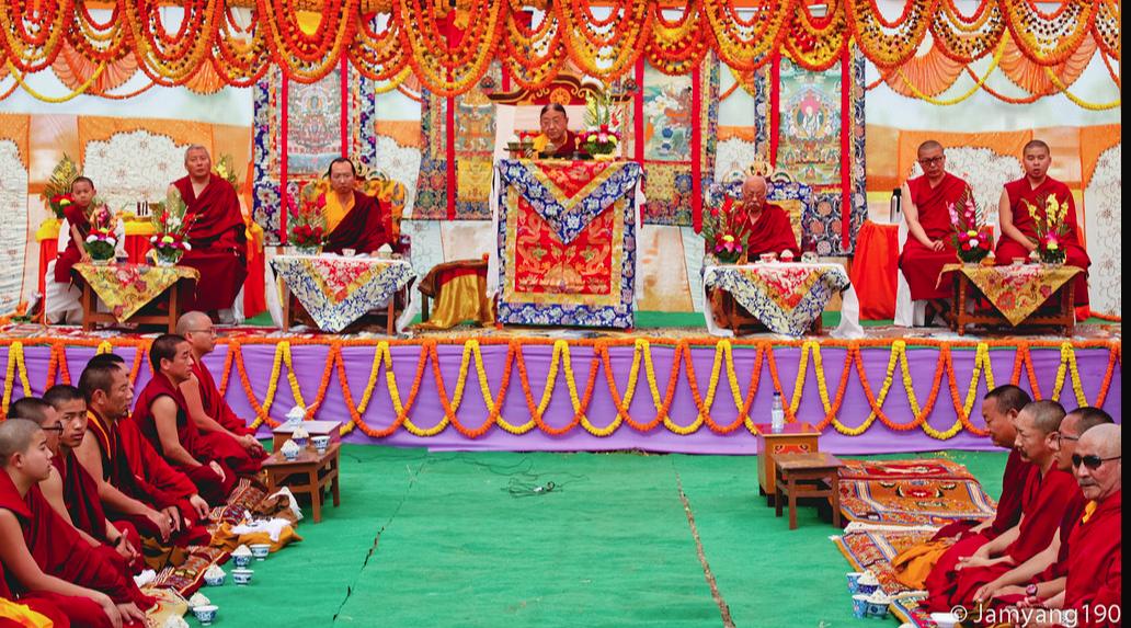 H.H Sakya Trizin & Luding Khenchen Rinpoche Tibetan Losar at Bodhgaya, Spring 2014.  Flickr - Photo Sharing! 2015-03-01 11-31-05