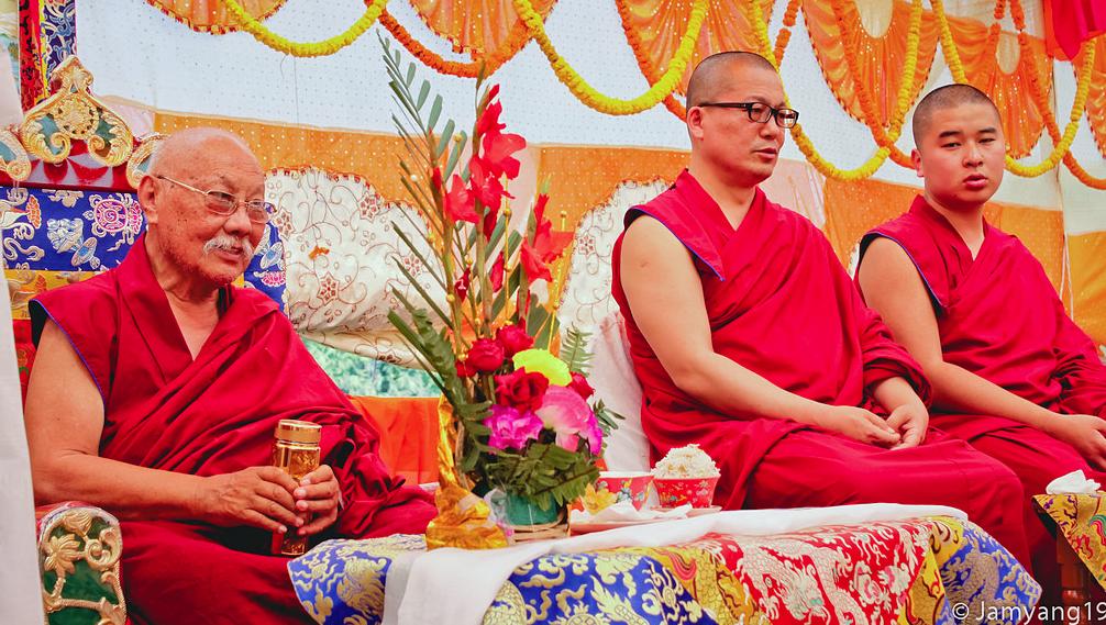 H.H Sakya Trizin & Luding Khenchen Rinpoche Tibetan Losar at Bodhgaya, Spring 2014.  Flickr - Photo Sharing! 2015-03-01 11-31-43