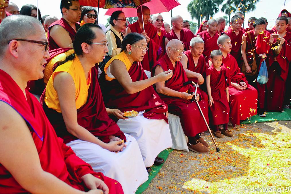 H.H Sakya Trizin & Luding Khenchen Rinpoche Tibetan Losar at Bodhgaya, Spring 2014.  Flickr - Photo Sharing! 2015-03-01 11-32-29
